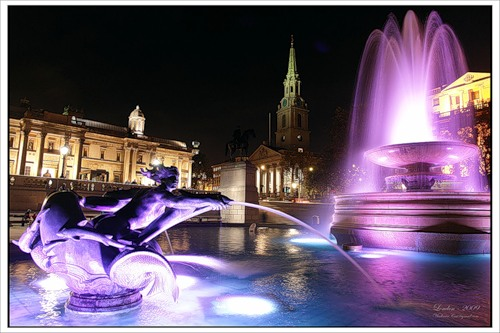 Фонтаны на Трафальгарской площади Лондона