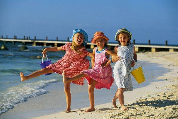 Летние каникулы: варианты отдыха детей без родителей