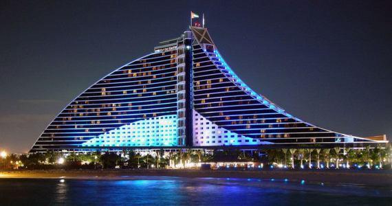 Отели в Дубаях впечатляют весь мир