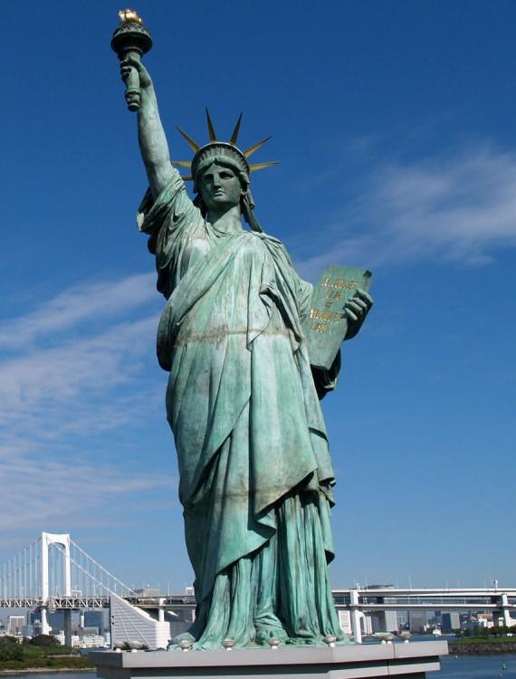 Статую Свободы закрывают на реконструкцию