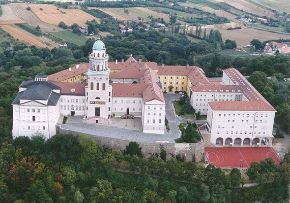 Тысячелетний Бенедиктинский монастырь в Паннонхальме
