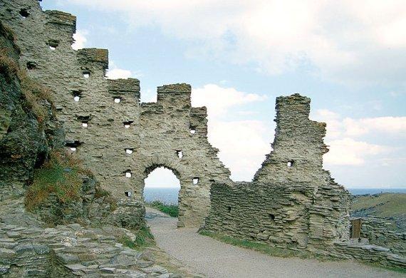 Развалины замка Тинтагель, Англия