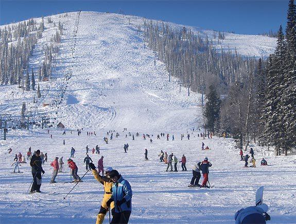 Выбираем горные лыжи и гостиницы в Шерегеше
