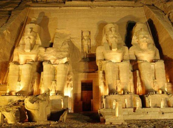 Для посещения Египта теперь обязательна туристическая виза