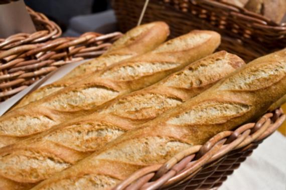 Лучшие багеты Парижа печет булочник Djibril Bodian