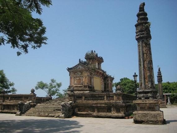 Гробница Кхай Диня в Хуэ, Вьетнам