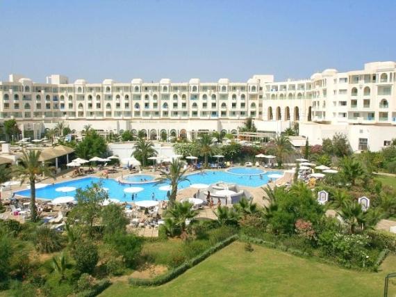 Хаммамет, типичный отель в Тунисе