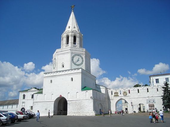 Спасская башня названа в честь Спасского монастыря
