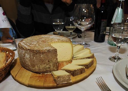 Сыр - компонент многих блюд голландской кухни