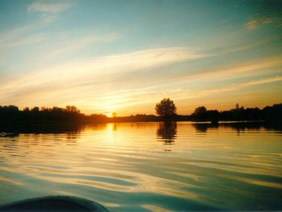 Закат над озером Селигер