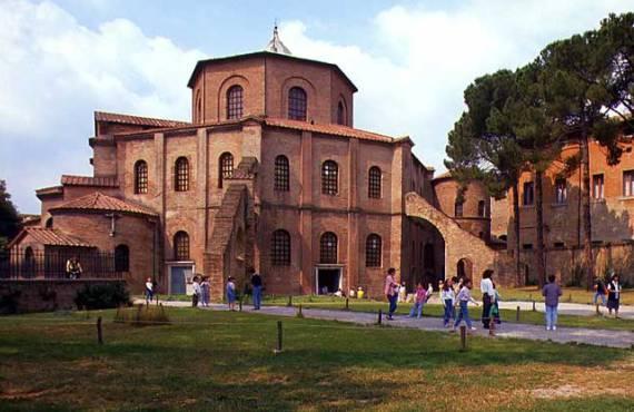 Базилика Сан-Витале в Равенне