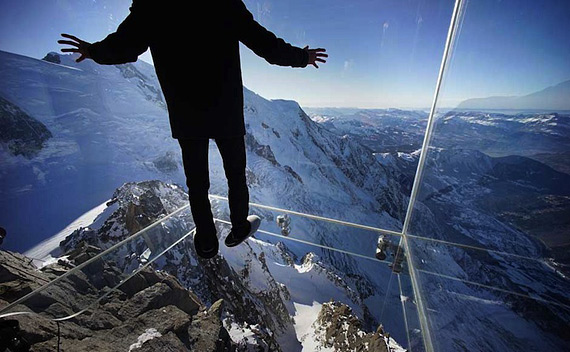 Стеклянный куб в Альпах