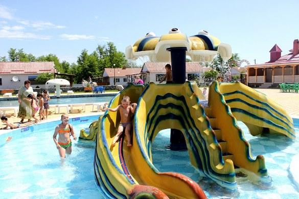 Аквапарк - лучшее летнее развлечение для детей