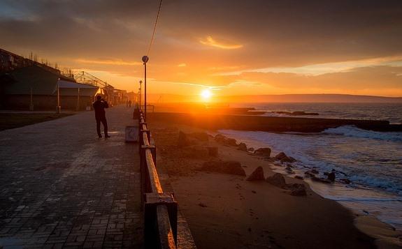 Восход на набережной Феодосии