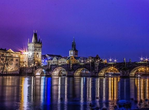 Вечерняя Прага, вид на Карлов мост