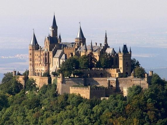 В Германии множество памятников Средневековья - замки, церкви