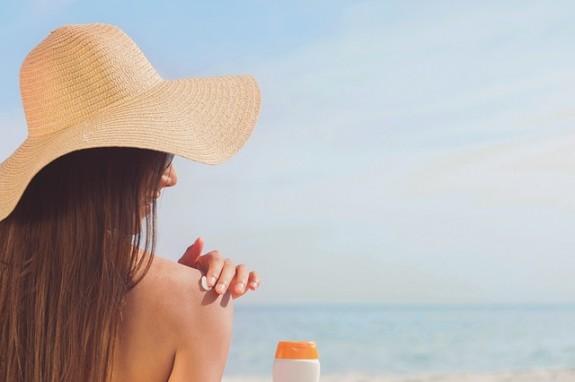 Какая косметика сохранит коричневый цвет вашей кожи