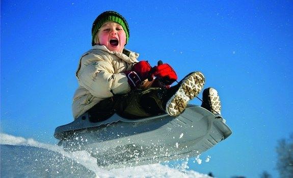 Санки  -  лучший зимний транспорт для ребенка