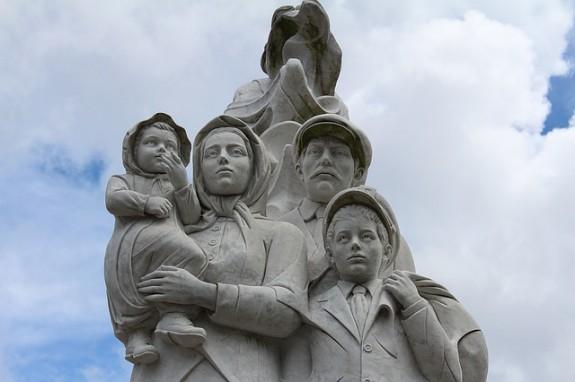Памятник семье иммигрантов в Новом Орлеане