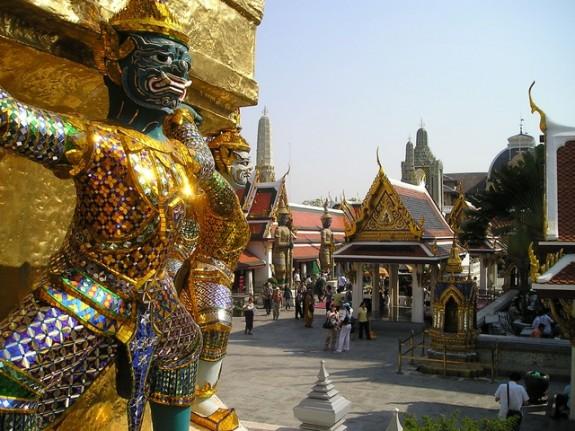 Дворец в Бангкоке - комплекс для духовного отдыха