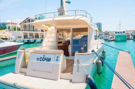 Развлечения в Сочи: прогулка на яхте
