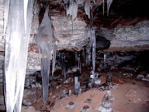 Кунгурская ледяная пещера приглашает поправить здоровье