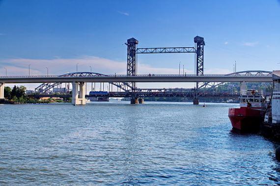 Разводной жд-мост в Ростове