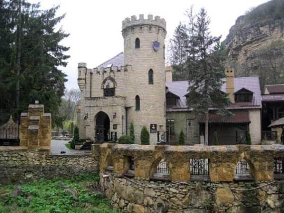 Замок коварства и любви под Кисловодском