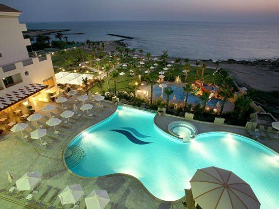 Кипр - рай для туристов и инвесторов