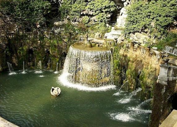 Водопад в Тиволи, Италия, предместья Рима