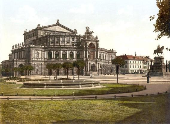 Земперская опера: изображение на старинной открытке