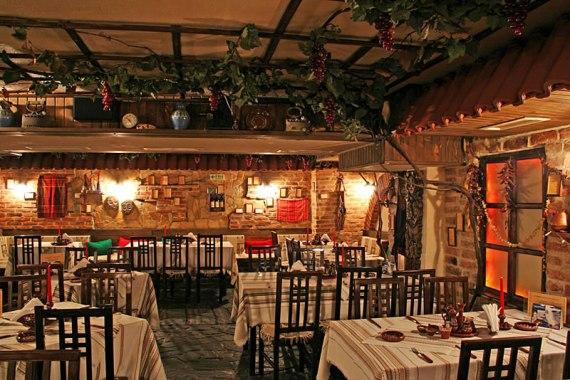 В поездке по Болгарии обедайте в механах