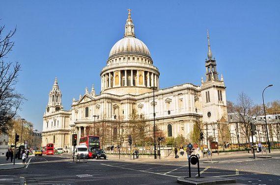 Полюбуйтесь величественным Собором Святого Павла в Лондонском Сити