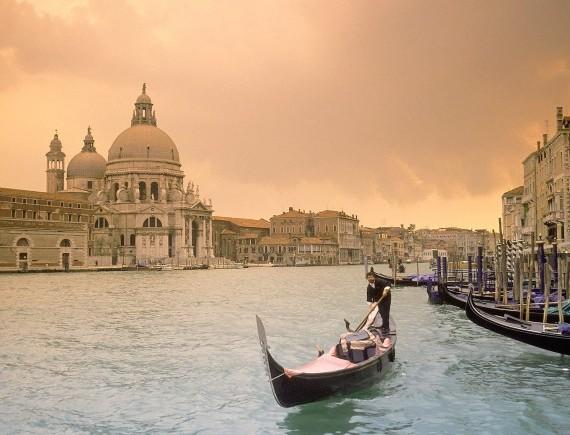 Италия упрощает выдачу виз