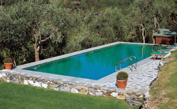 Собственный бассейн на дачном участке