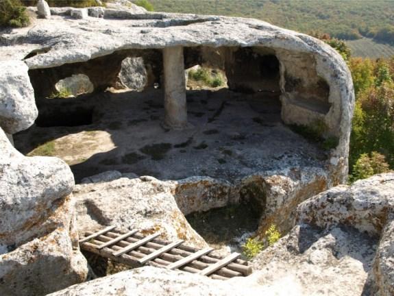 Пещерный город недалеко от Бахчисарая