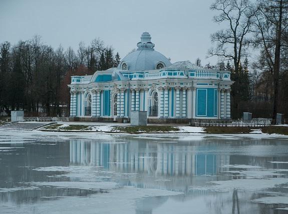 Екатерининский дворец, часть ансамбля