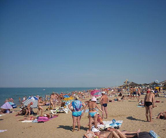 Пляж в Саках – это побережье Каламитского залива