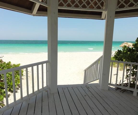 Куба, вид из бунгало на пляж