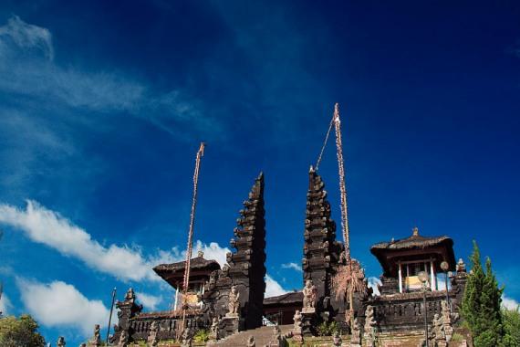 Правила поведения в индуистских храмах на Бали