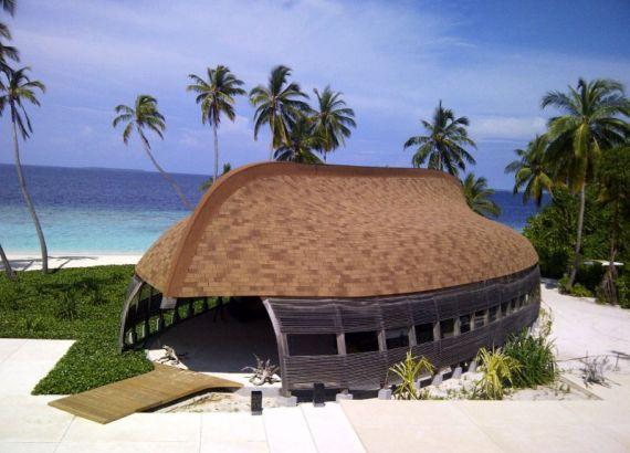 Мальдивы привлекают туристов оригинальностью