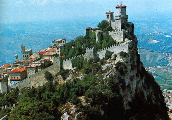 Сан-Марино - государство в Италии