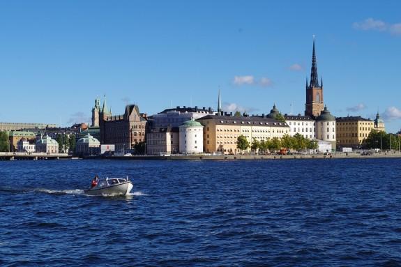 Швеция, вид на королевский дворец в Стокгольме