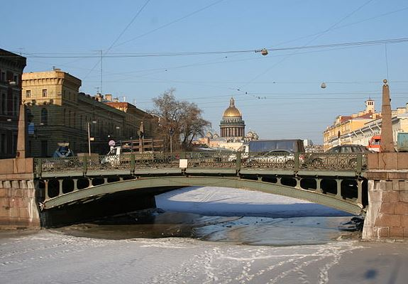 Поцелуев мост зимой