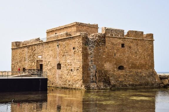 Портовая крепость стоит со времен Александра Македонского