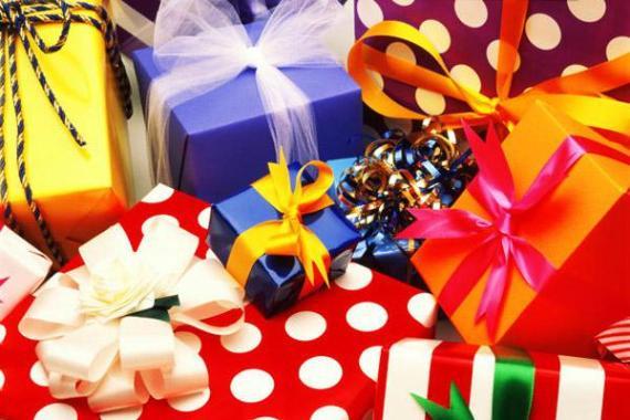 Как дарят подарки в разных странах