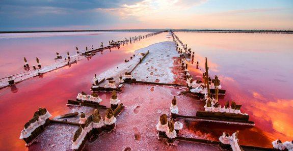 Сасык-Сиваш - соленое озеро