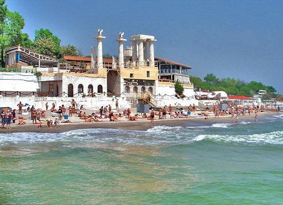 Самый известный пляж города – Аркадия
