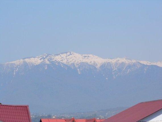 Адлер, вид на горы
