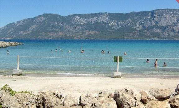 Белый пляж на острове Клеопатры